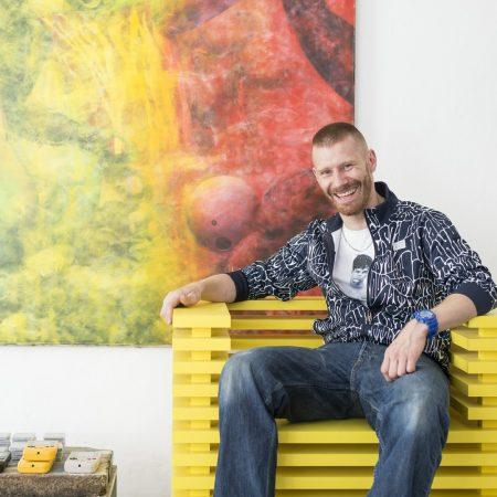 zstuhl_ernst_moeckl_heavytool_wallenberg_chair_olivgreen_berlin_design_stuhl_design_designer