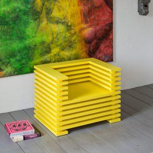 Lounge Chair THEO-M1 kubisch gelb lackiertes MDF